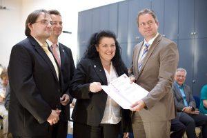 Christiane Ludwig-Paul bekommt Landesehrenbrief überreicht