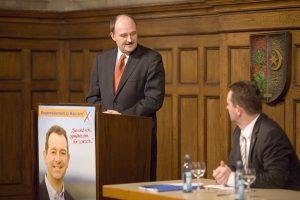 "Bürgermeisterkandidat Christian Schönung: ""Stabile Finanzen - Gesunde Kommunen"""